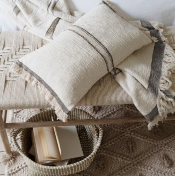 andas-cushion-and-throw_ren-basket_alem-rug-natural_malmo-white-bedlinen_kibo-bench_also-home-lr-_1 (2)
